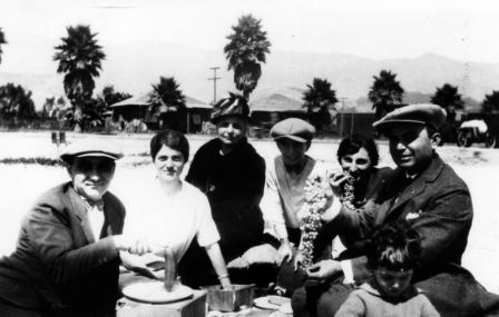 Family_picnic_1922_California_LAPL.jpeg